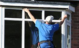 Spécialiste en vitrage, vitrine et enseigne