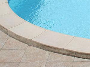 Draguignan trouvez un constructeur de margelles de for Constructeur piscine var
