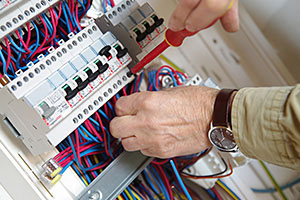 Installateur de cablage electrique Uchacq et parentis