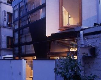 Plan de maison : une étonnante maison contemporaine à Paris