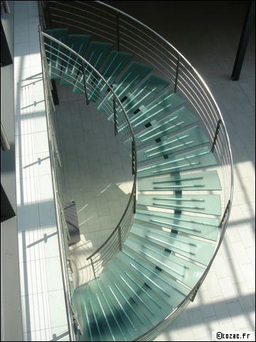 Escalier en m tal l g ret et gain d 39 espace for Etancheite escalier exterieur