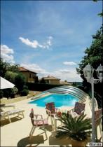 L'abri de piscine, équipement de sécurité et pièce à vivre
