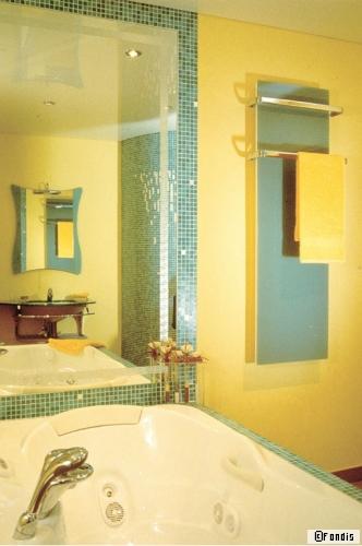 chauffer vos serviettes et votre imaginaire. Black Bedroom Furniture Sets. Home Design Ideas