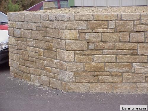 Un mur de cl ture en pierre oui mais lequel for Prix construction maison en pierre