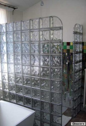 Rouvière : Des Briques De Verres Pour Des Murs De Lumière