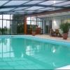 Abri de piscine haut: un espace de vie modulable