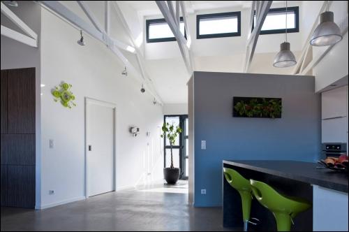 Une porcherie rénovée en maison contemporaine ossature bois à Colmar - Travaux.com
