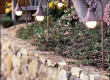 Besançon rénove son éclairage public et vise une économie d'électricité de 70000 euros par an