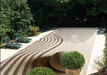 Des Couvertures de sécurité originales pour piscines