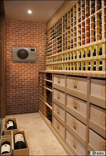 Aménager une cave à vin grâce à un climatiseur discret et efficace ...