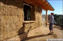 Insolite : entre Toulouse et Albi est née une maison de paille !