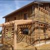 Une ossature bois conçue pour l'isolation avec de la paille près du Puy-en-Velay