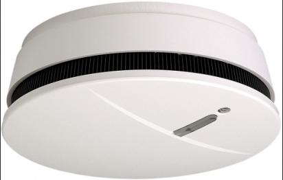 Un détecteur de fumée intelligent avec liaison radio à une alarme