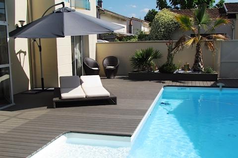 terrasse en bois composite look effet bois entretien en moins. Black Bedroom Furniture Sets. Home Design Ideas