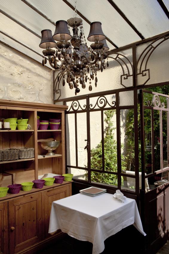 v randa en fer forg cmp. Black Bedroom Furniture Sets. Home Design Ideas