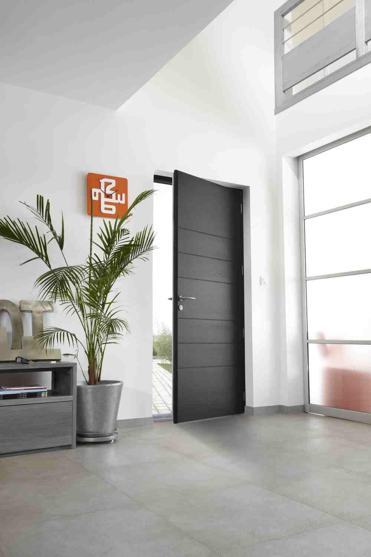 changer sa porte d 39 entr e en b n ficiant de cr dits d. Black Bedroom Furniture Sets. Home Design Ideas