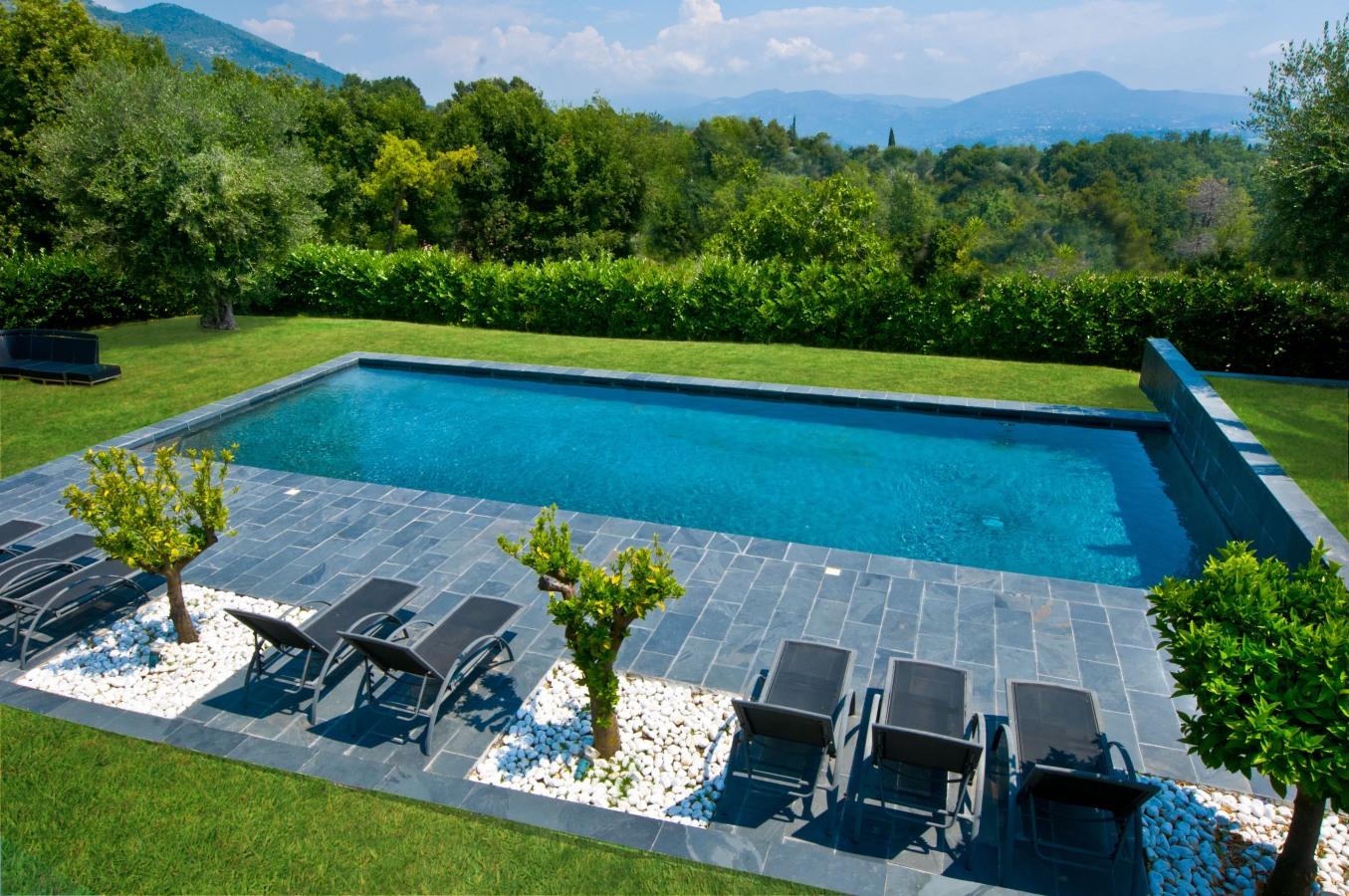 troph e d 39 argent diffazur piscines. Black Bedroom Furniture Sets. Home Design Ideas