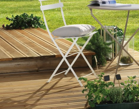 poser une terrasse en bois soi m me. Black Bedroom Furniture Sets. Home Design Ideas