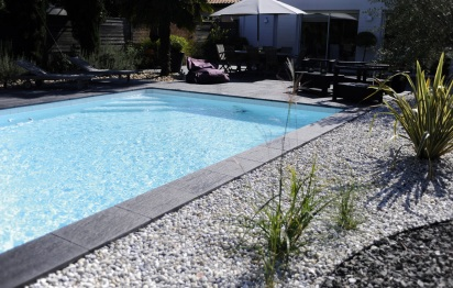 Abords de piscine ©La pierre reconstituée de france
