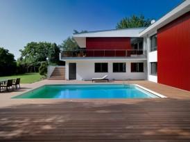 Abords de piscine en bois composite Academic
