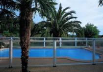 Barrière de piscine gypse ©Technal
