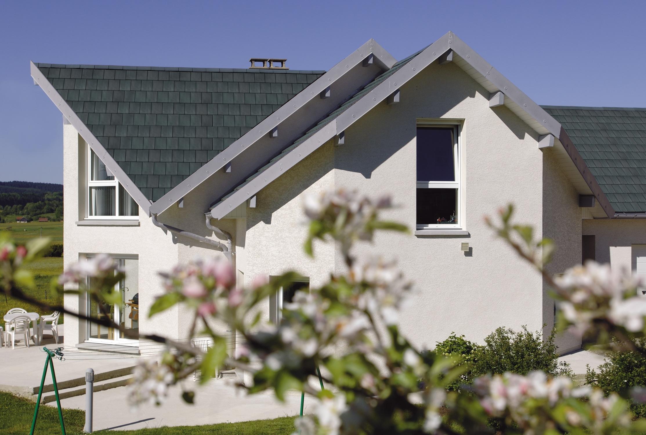 R novation de toiture petite r paration ou gros travaux for Renovation de toiture prix
