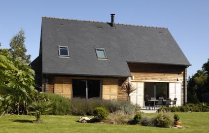 Maison en bois traditionnelle ©TRECOBAT