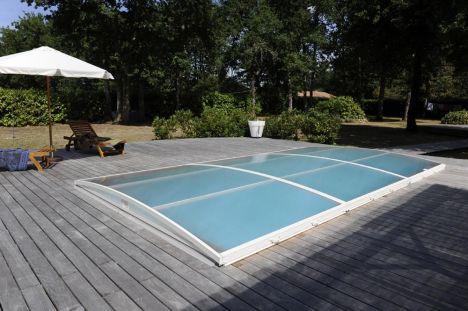 Prix d 39 un abri de piscine bas 2018 for Piscine bas prix