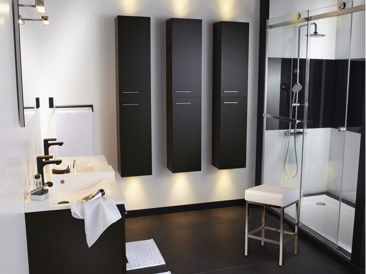 quelle paroi de douche choisir. Black Bedroom Furniture Sets. Home Design Ideas