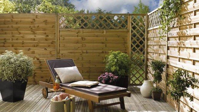 Des clôtures de jardin design pour délimiter avec style | Travaux.com