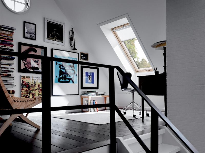 am nager ses combles en pi ce vivre. Black Bedroom Furniture Sets. Home Design Ideas