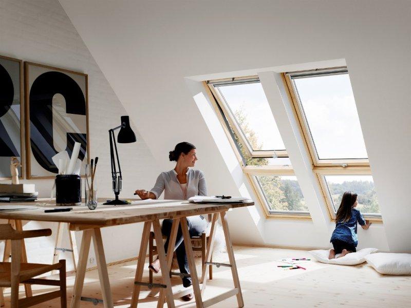 Fenêtre de toit ouverture à projection Velux