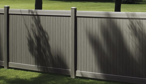 Clôture de jardin en PVC Certainteed
