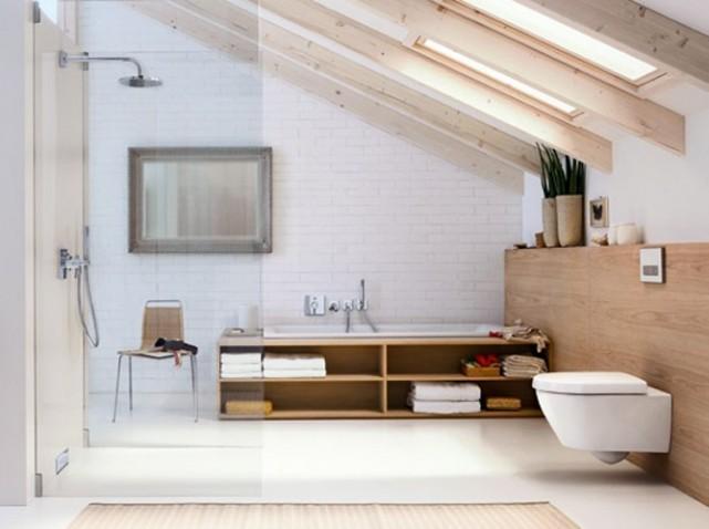 Salle de bains sous les toits Gérébit