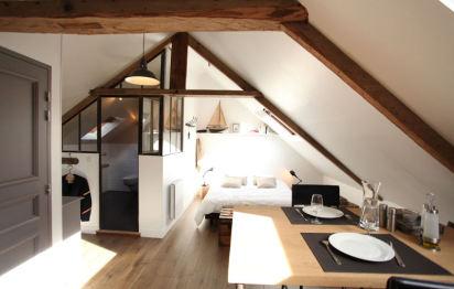combles. Black Bedroom Furniture Sets. Home Design Ideas