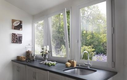 Fenêtre bois ©Lapeyre Classic bois pin