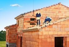 Construction d'une maison en brique