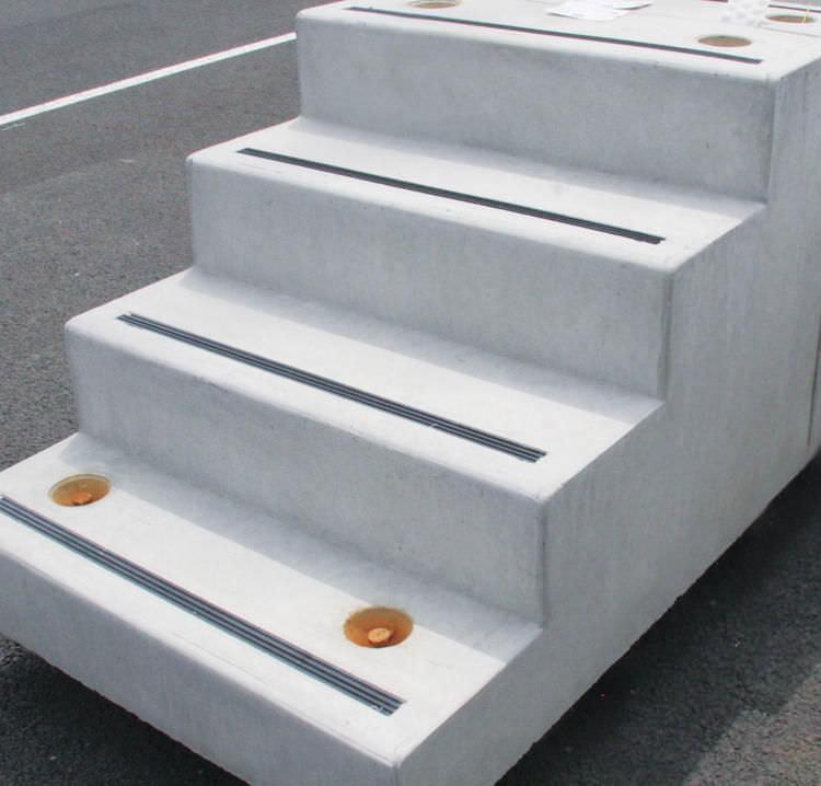 escalier exterieur beton en kit
