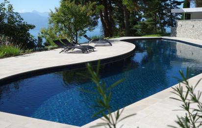 Installation de piscine Carré Bleu