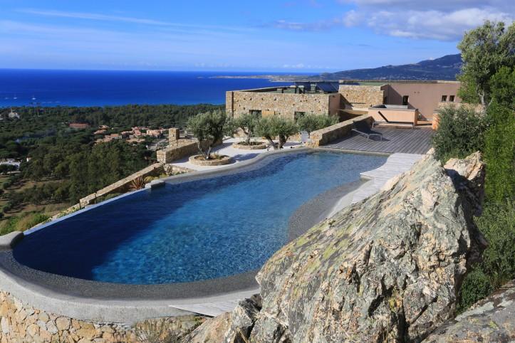 Installation de piscine ©Diffazur