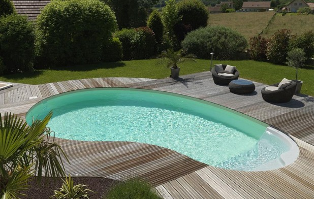 Comment budg tiser la construction de sa piscine for Piscine haricot