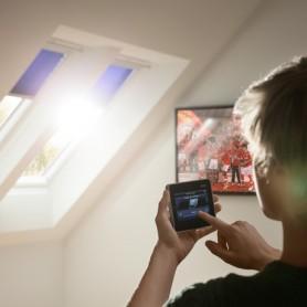 Accessoires domotiques fenêtre de toit © Velux