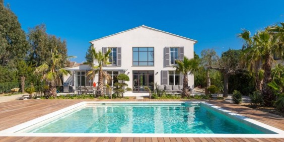 Maison avec piscine ©DR