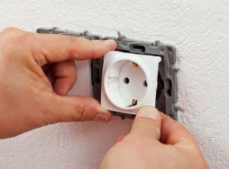 Installation de prise électrique Travaux