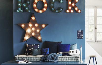 du papier peint pour habiller vos murs. Black Bedroom Furniture Sets. Home Design Ideas
