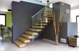 Escalier avec garde-corps en verre Ascenso