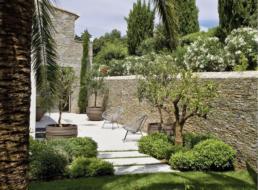 Prix d\'une clôture en pierre 2019 | Travaux.com