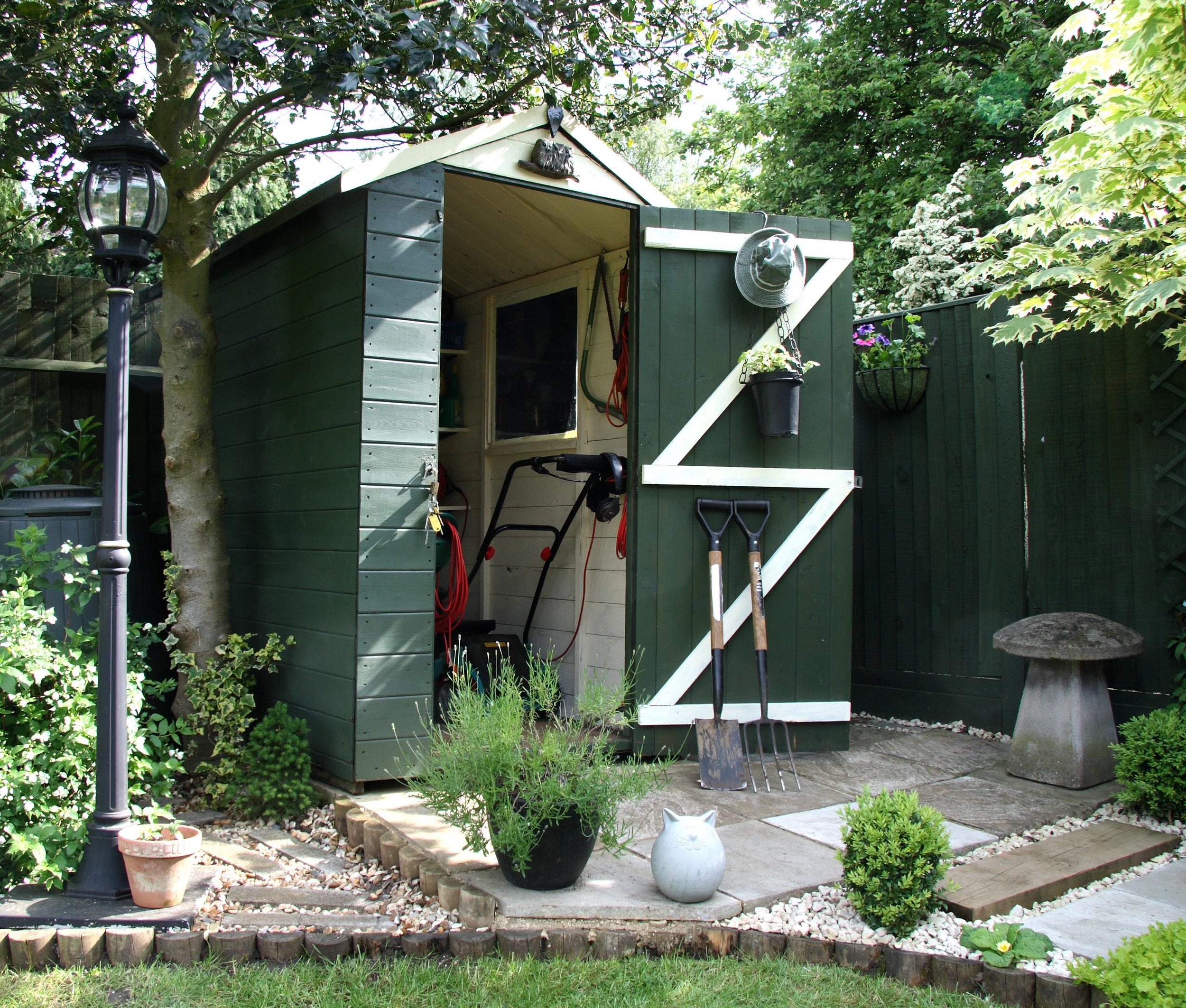 prix de l 39 installation d 39 un abri de jardin 2018. Black Bedroom Furniture Sets. Home Design Ideas